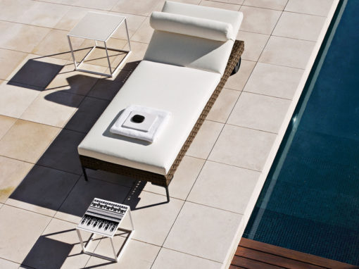 Charles Outdoor / Canasta